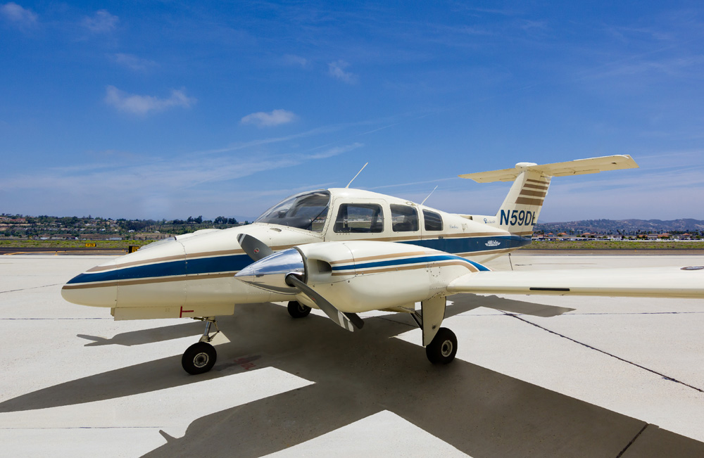 Learn to Fly Prop Planes at CIA Flights School