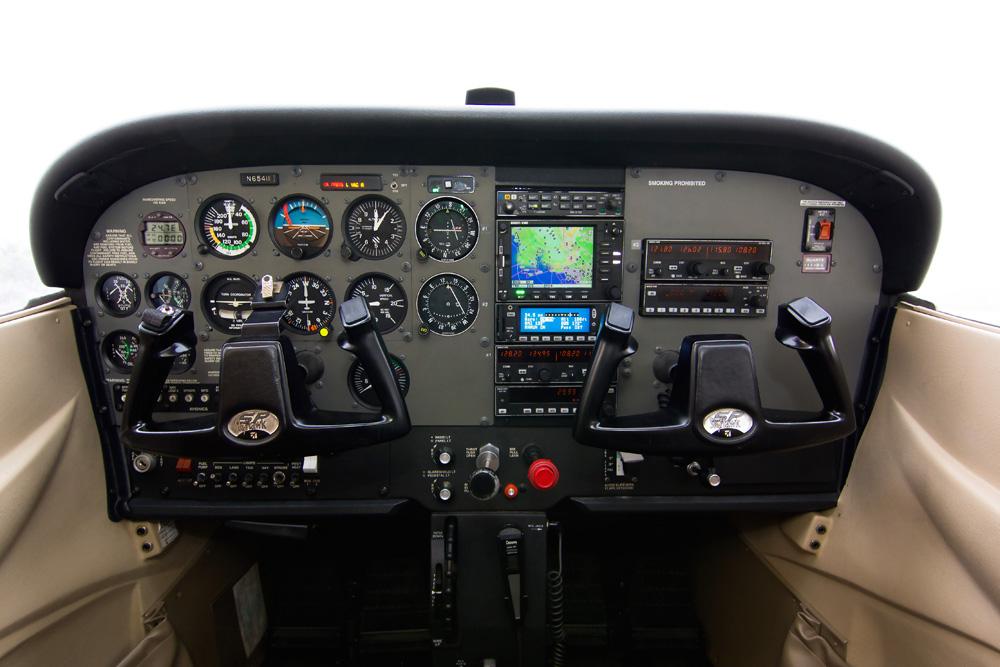 Avionics with CIA Flight School